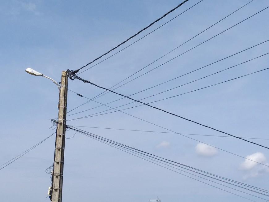 Toujours 900 foyers privés d'électricité dans le Rhône