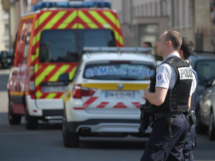 Vaulx-en-Velin : un homme saute du 3e étage d'un immeuble