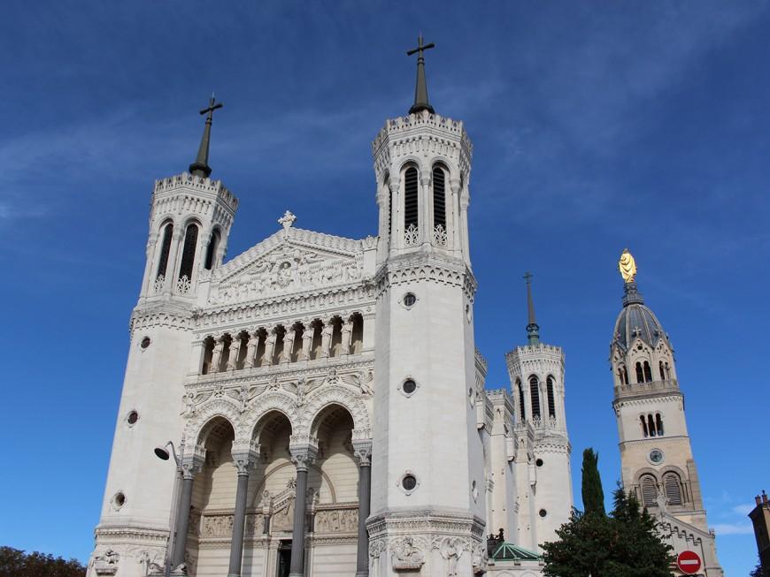 Les Pierres dorées et la basilique de Fourvière parmi les sites mis en avant par la Région