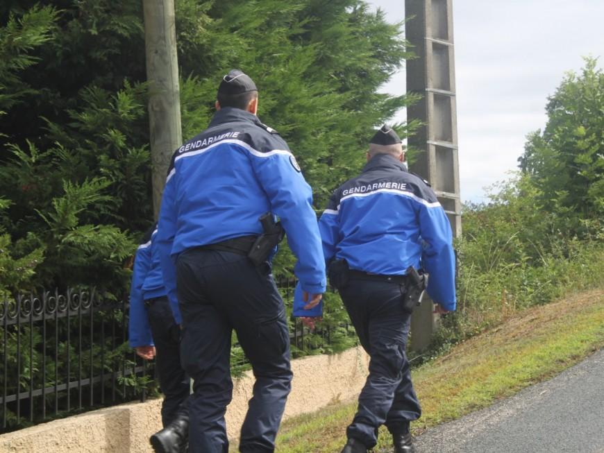 Rhône : pour se calmer, le mari violent se frappe la tête contre les murs