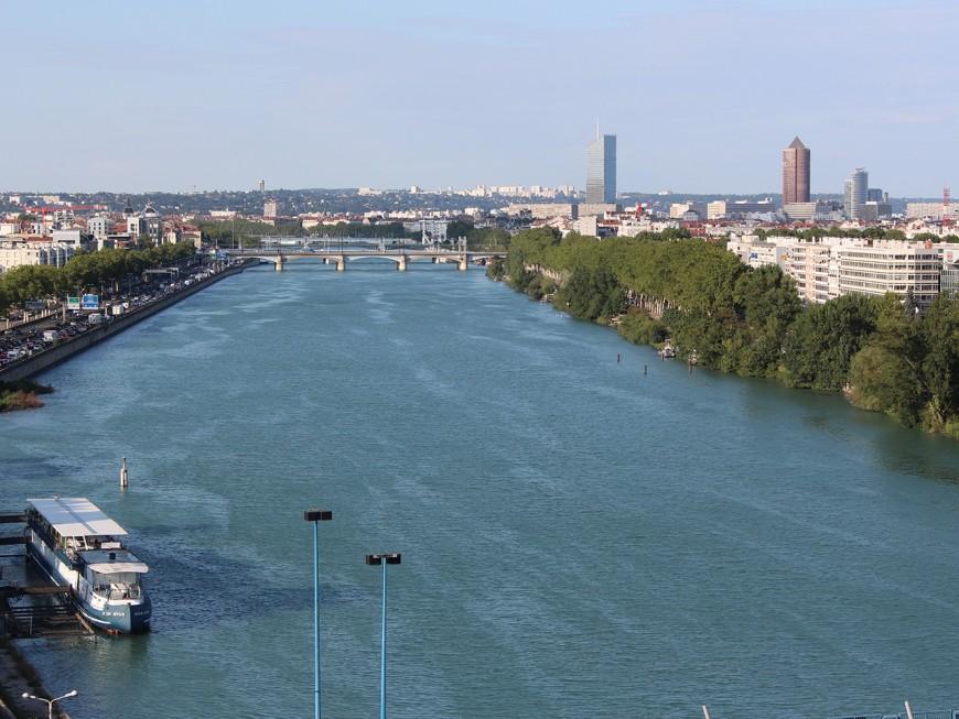 Le Rhône fermé à la navigation pendant 12 jours