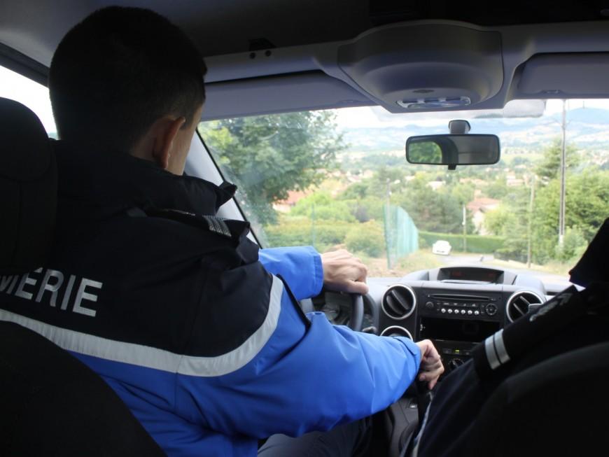Beaujolais : sans attestation, elle panique et déclenche une course-poursuite avec les gendarmes