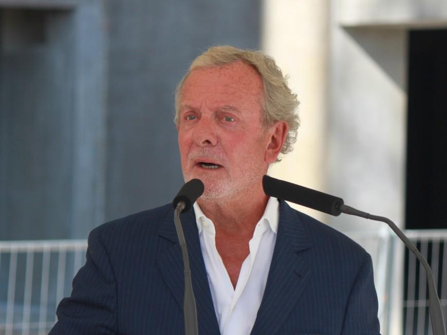 Jean-Claude Lavorel met la main sur Lyon City Boat