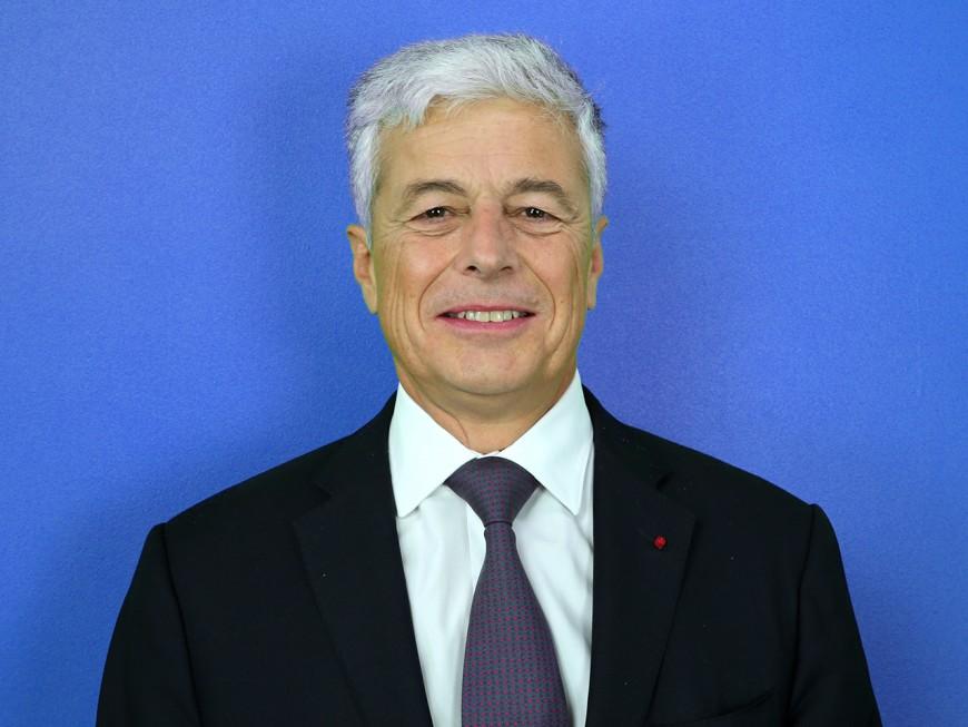 """Henri-Michel Comet, préfet de la région Auvergne-Rhône-Alpes : """"la clause Molière ne rentre pas dans le cadre légal telle qu'elle est rédigée"""""""