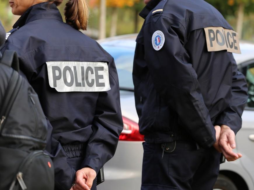 Petite mobilisation des policiers à Lyon pour dénoncer la haine anti-flic