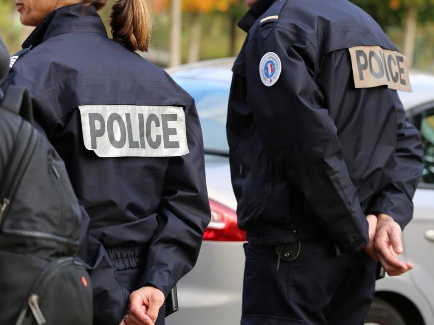 Lyon : le policier reçoit un crachat ensanglanté sur le visage