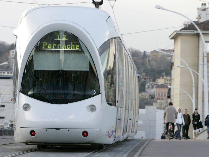 Lyon : le tramway T2 jusqu'à Confluence prévu pour fin 2020