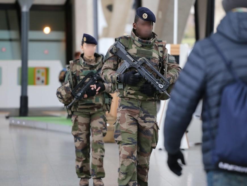 Lyon : la ministre des Armées Florence Parly en visite auprès des militaires de l'opération Sentinelle