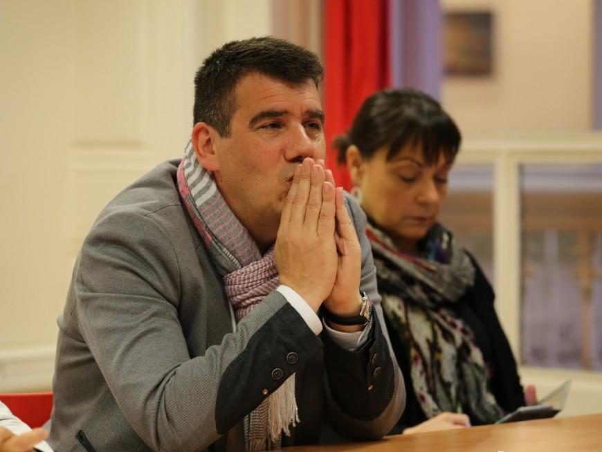 """Le PS ne veut pas entendre parler de David Kimelfeld, trop proche de """"la Macronie"""""""