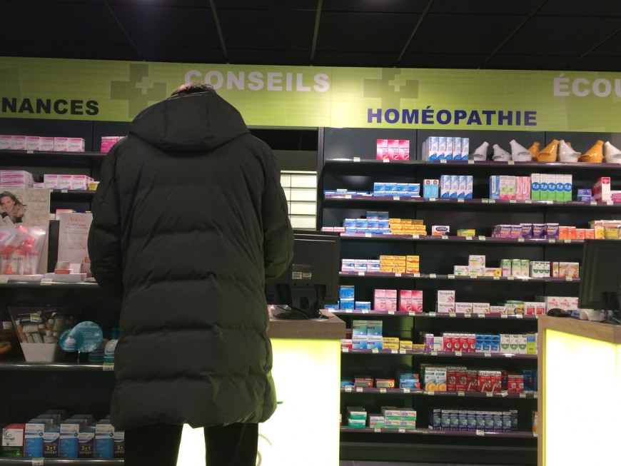 Villefranche : les cambrioleurs cherchent le coffre d'une pharmacie et repartent finalement avec des préservatifs