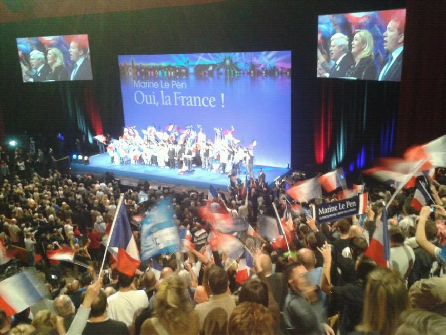 """Mélenchon et la finance, cibles de l'""""incorruptible"""" Marine Le Pen à Lyon"""