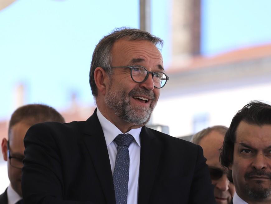 Municipales 2020 : Etienne Blanc compte sur un proche de Jacques Chirac pour (re)lancer sa campagne