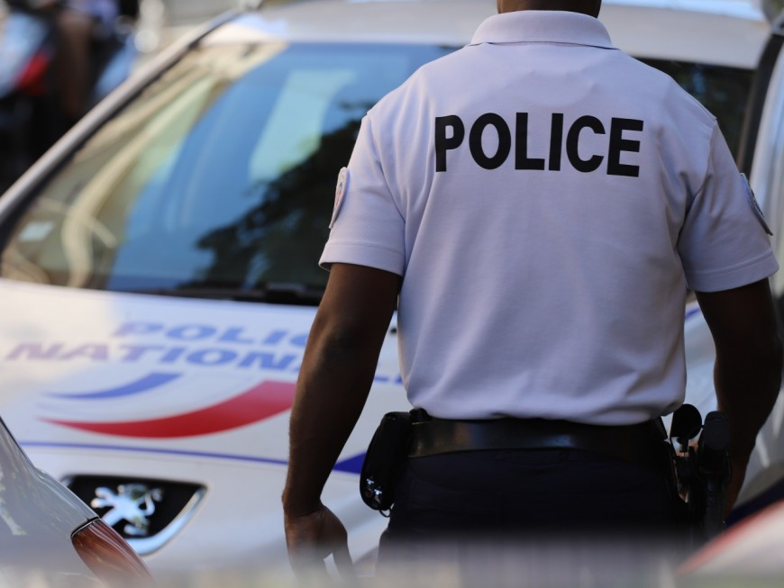 Villeurbanne : elle volait avec violence des téléphones