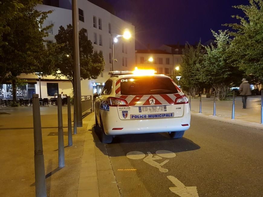 Vénissieux : interpellé pour conduite sans permis ni casque, il frappe les policiers