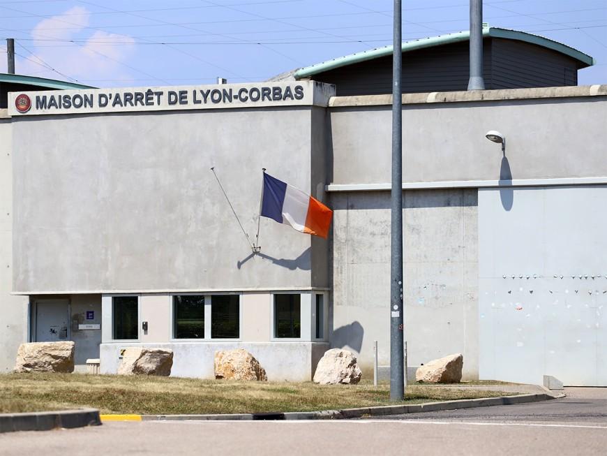 Coronavirus :un détenu testé positif à la prison de LyonCorbas selon un syndicat