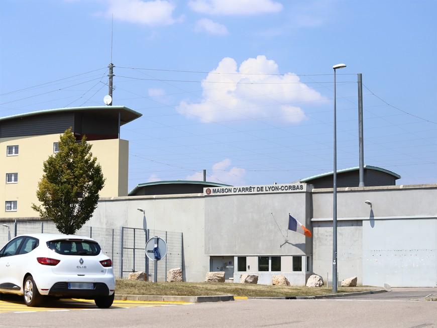 Prison de Lyon-Corbas : une surveillante lacérée au visage par un détenu