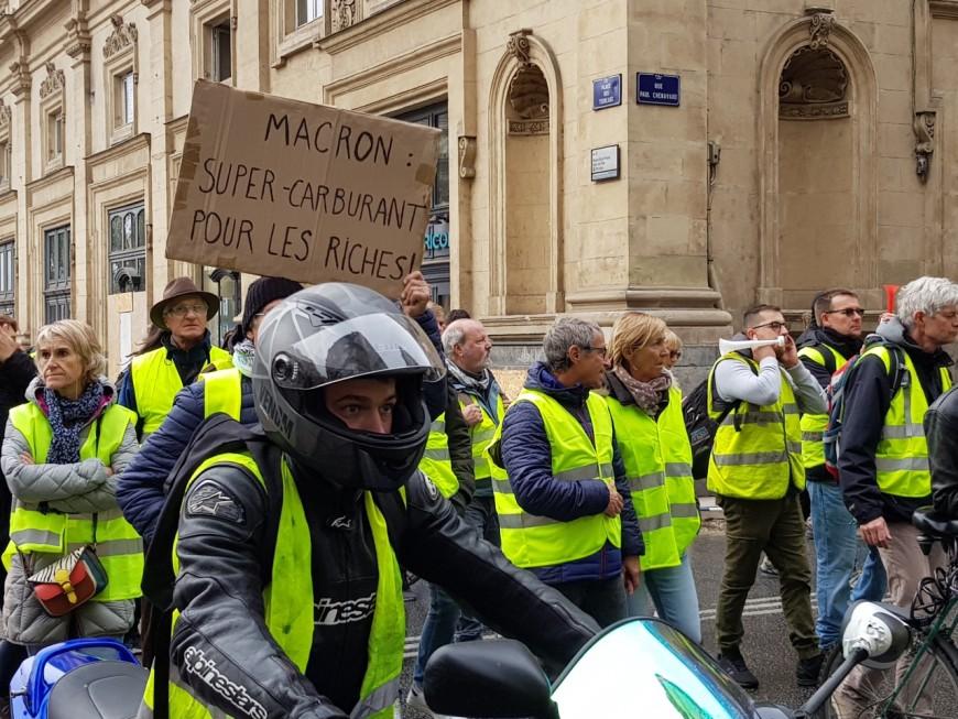 Lyon : relaxe d'un gilet jaune soupçonné d'avoir violemment forcé un barrage