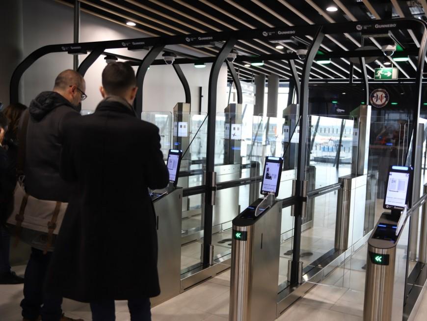 Des sas à reconnaissance faciale installés à l'aéroport de Lyon Saint-Exupéry