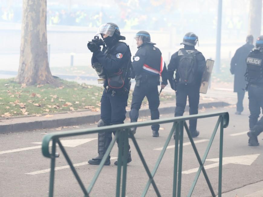 Gilet jaune blessée par un tir de LBD à Lyon : condamnation de l'Etat requise