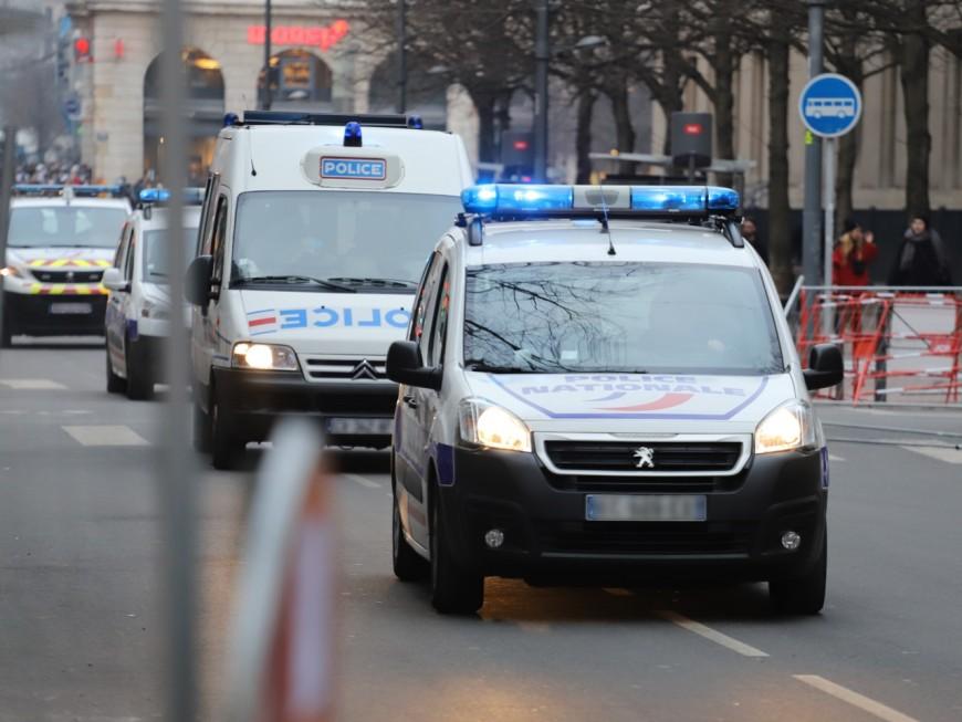 Saint-Priest : il affirme qu'il veut commettre un attentat puis déambule armé de couteaux