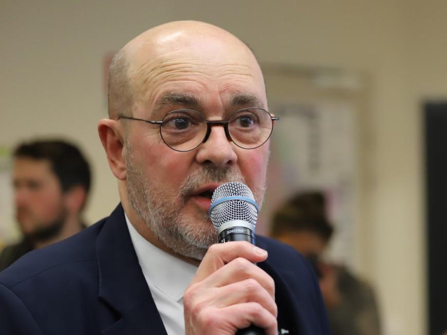 Le maire d'Albigny s'accorde des permis express pour son terrain