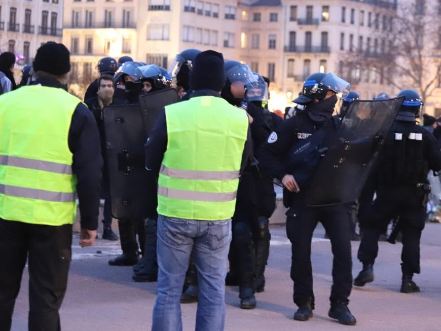 Direction l'Hôtel de Police pour les gilets jaunes ce samedi à Lyon