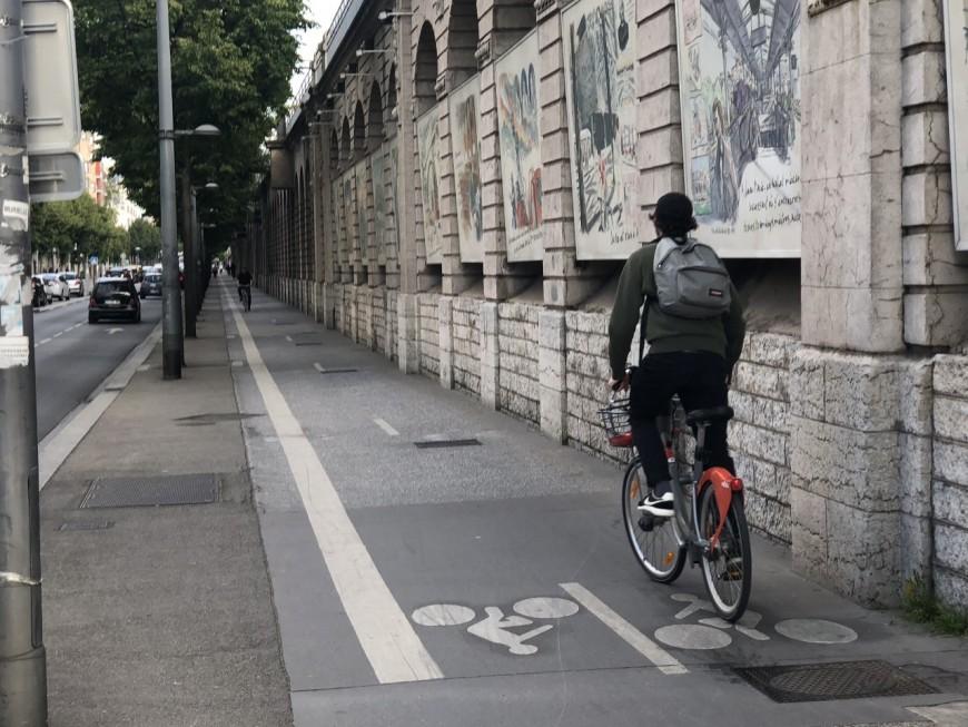 Lyon : Collomb demande l'aide de Kimelfeld pour plus de pistes cyclables post-confinement