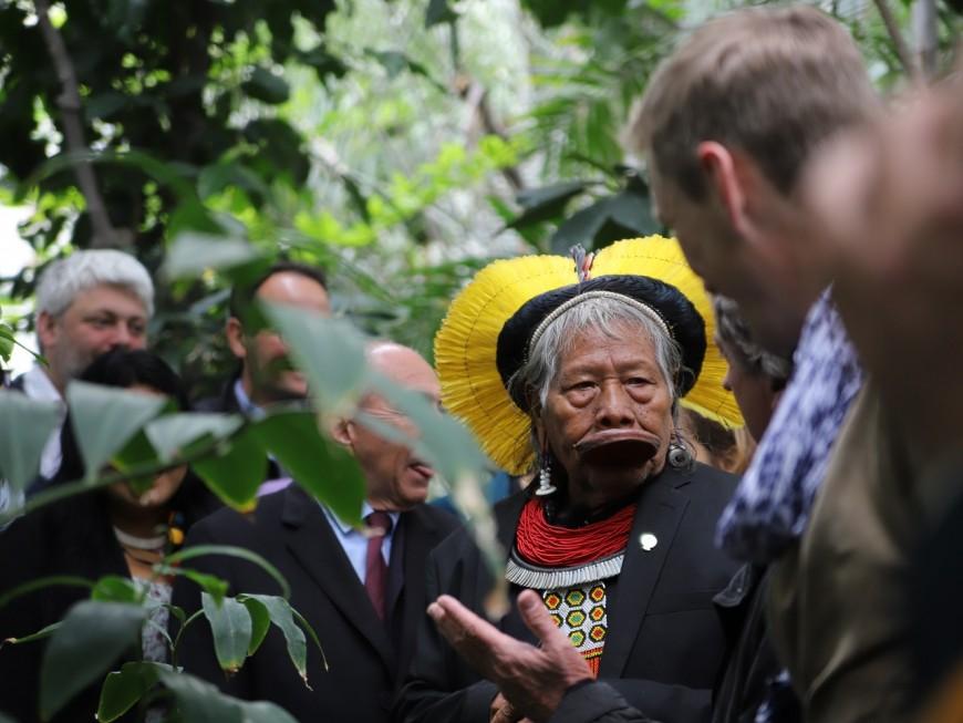 De l'Amazonie à Lyon, le Cacique Raoni défend l'environnement - VIDEO