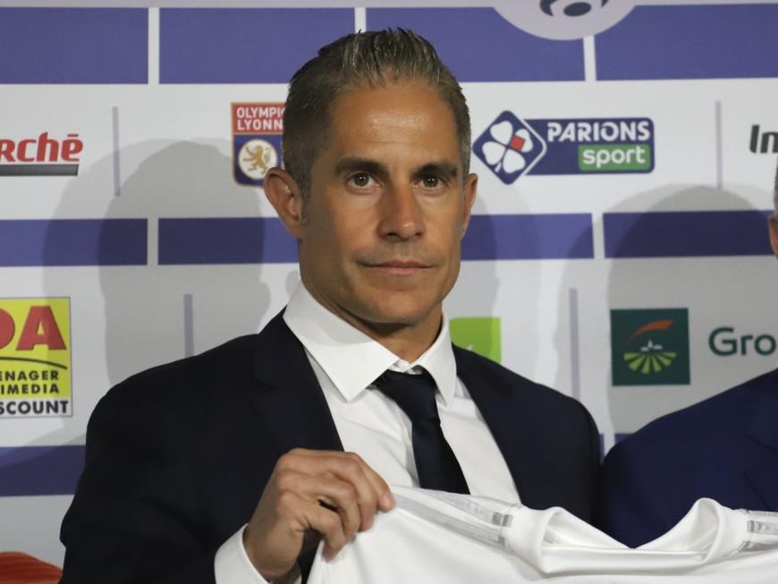 Sylvinho arrive au Groupama Stadium face à Angers