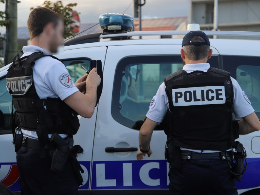 Vénissieux: deux interpellations et du cannabis saisi lors d'une nouvelle action coup de poing