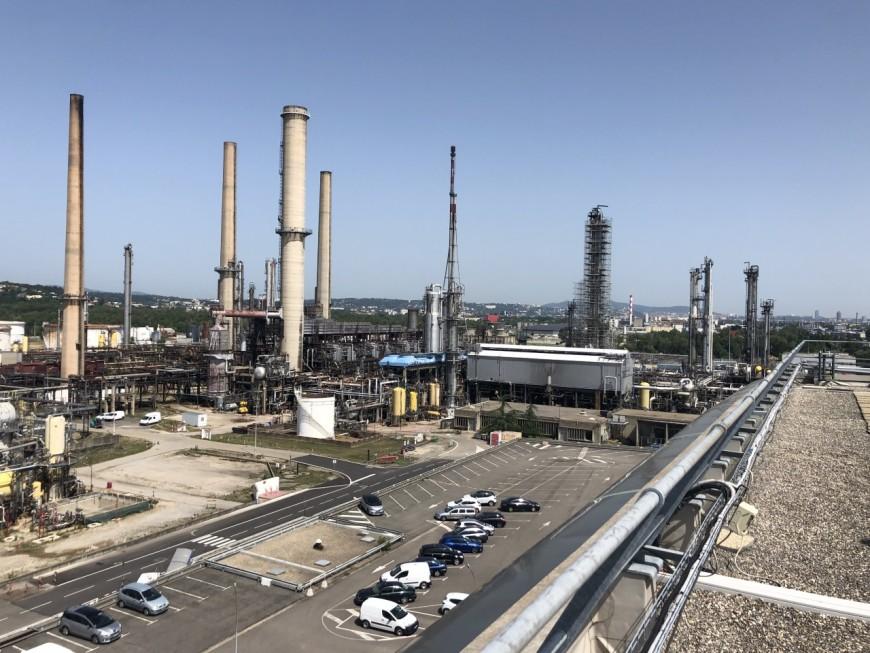 Vers un arrêt total de la raffinerie de Feyzin, les salariés en grève