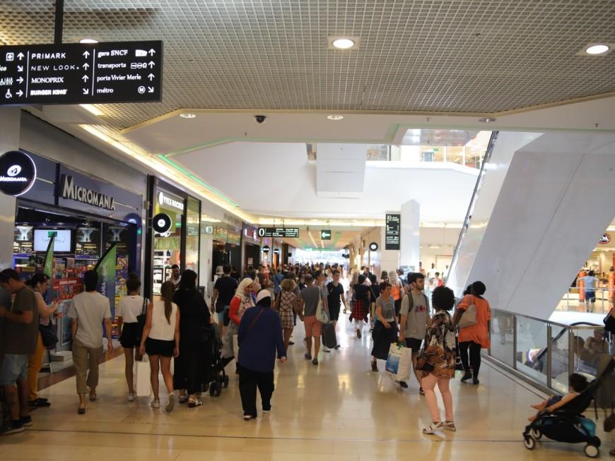 Lyon : à la Part-Dieu, il tente de braquer l'Apple Store un samedi après-midi