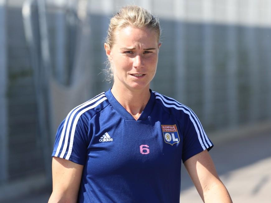 OL: Amandine Henry allume la sélectionneuse Corinne Diacre