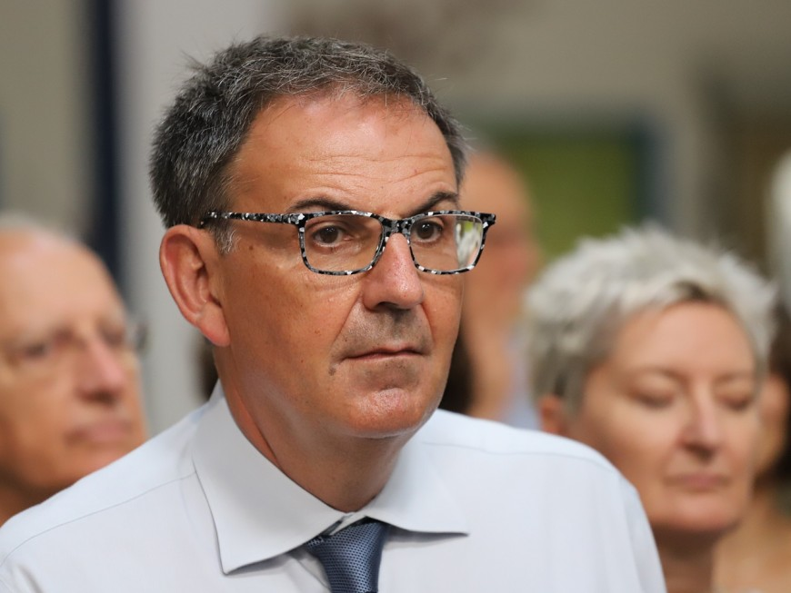 """Jacques Chirac aura marqué l'Histoire de la cinquième République"" selon David Kimelfeld"