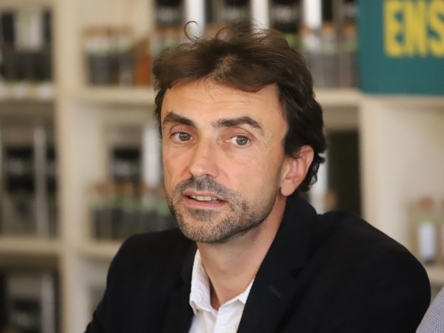 """Après Rouen, Grégory Doucet (EELV) demande """"une transparence totale"""" sur les sites SEVESO de Lyon"""