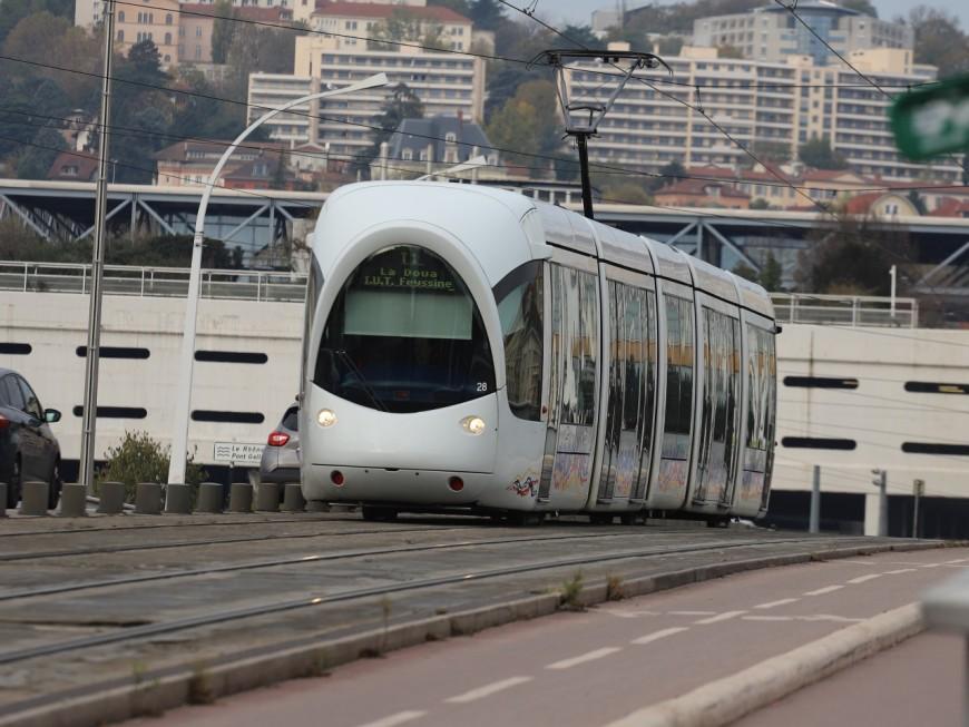 Villeurbanne : le conducteur du tramway interpelle un voleur de sac
