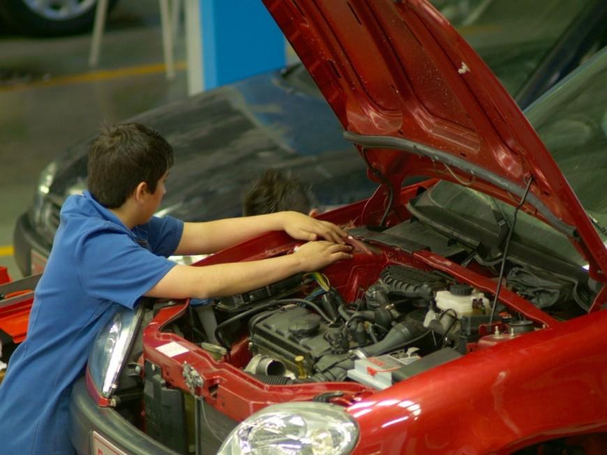Villeurbanne : des armes, de la drogue et du travail dissimulé dans un garage automobile