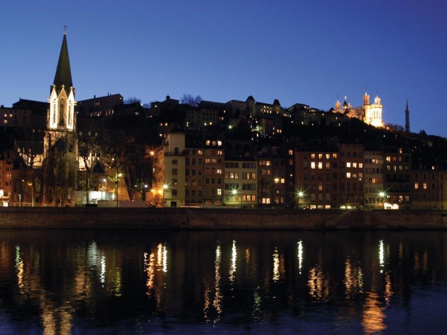 Lyon : ils demandent une réduction de l'éclairage durant le confinement