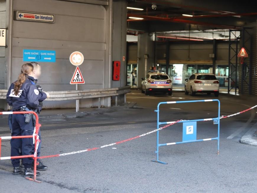 Coronavirus : un chauffeur de car italien pris en charge à Perrache à Lyon