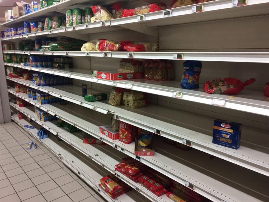 Coronavirus : les supermarchés de plus en plus dévalisés à Lyon