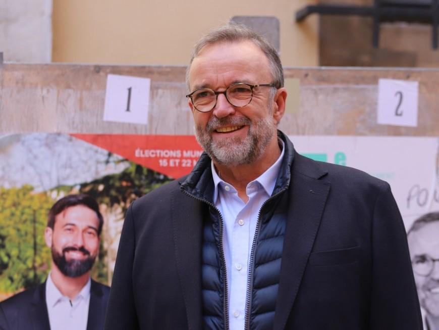 Municipales à Lyon : Etienne Blanc repart en campagne et veut le retour de la tranquillité à la Guillotière