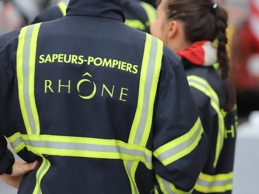 Près de Lyon: les pompiers portent plainte après avoir été menacés par une victime