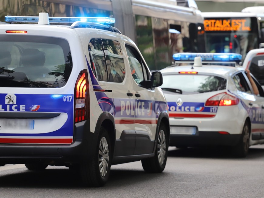 Lyon : il réclame le téléphone d'un homme et le frappe pour lui voler