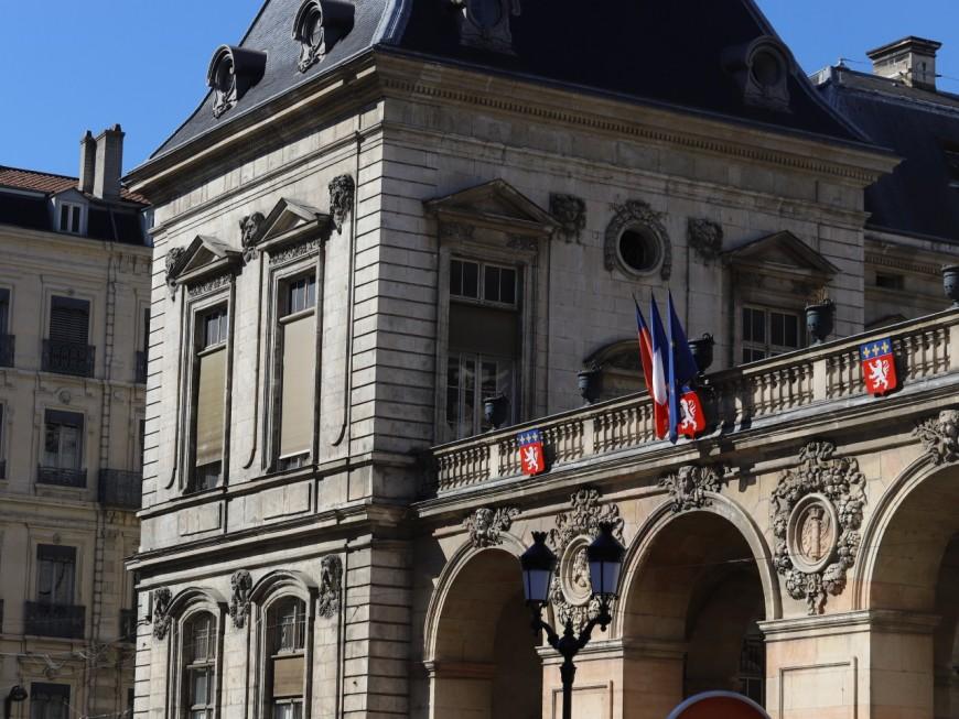 """Lyon: une centaine de manifestants """"contre le racisme et l'islamophobie"""""""