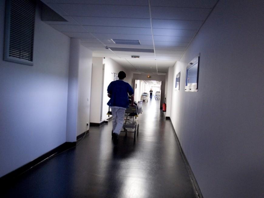Au sud de Lyon : un patient désespéré et atteint du Covid-19 se pend à l'hôpital