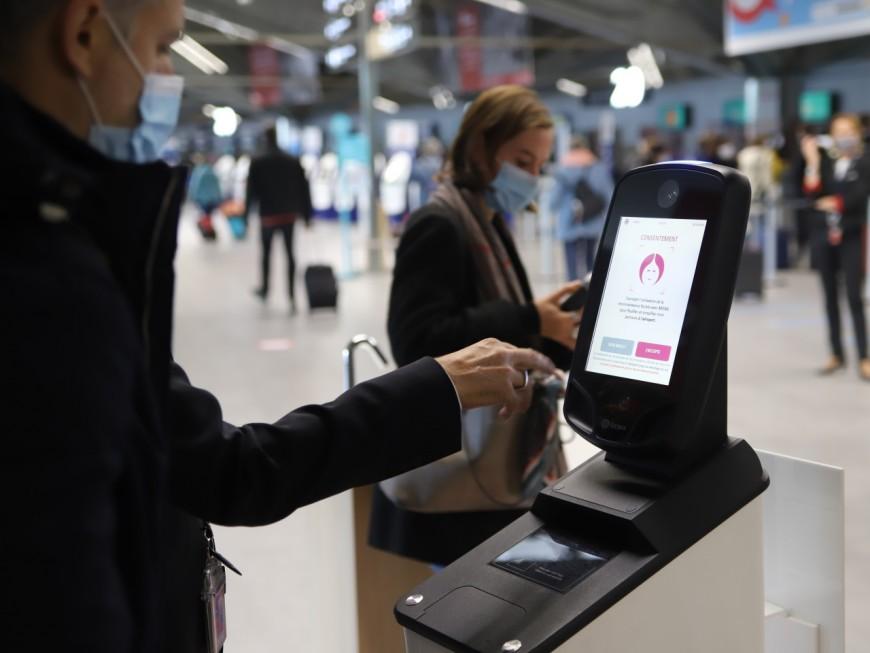 """Lyon : """"Mona"""", le nouveau système de reconnaissance faciale à l'aéroport Saint-Exupéry"""