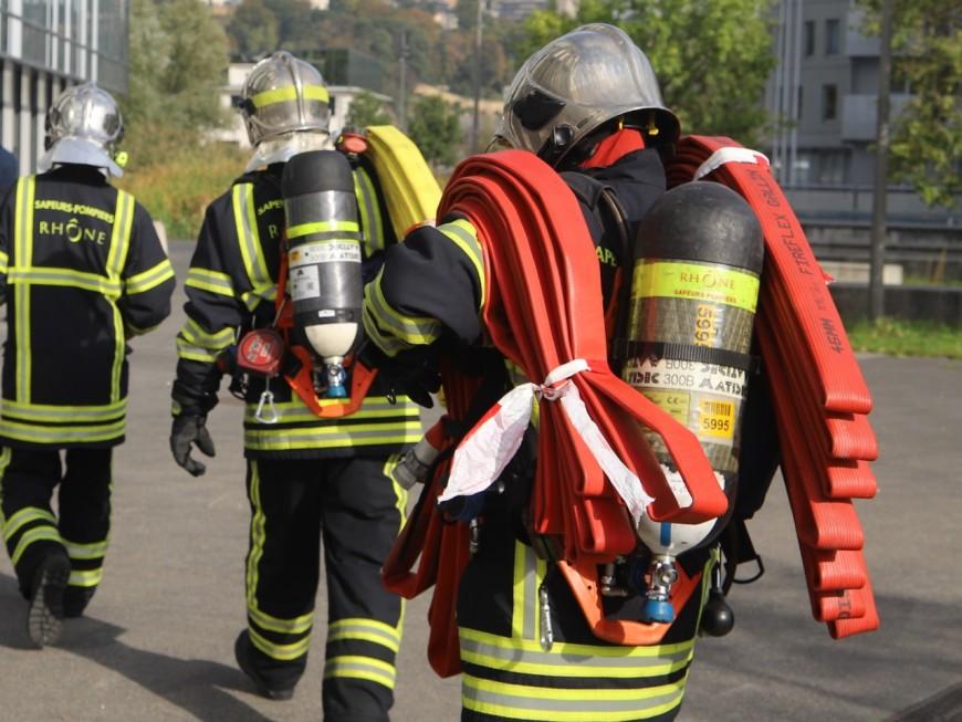 Lyon : deux personnes légèrement intoxiquées dans l'incendie de leur appartement