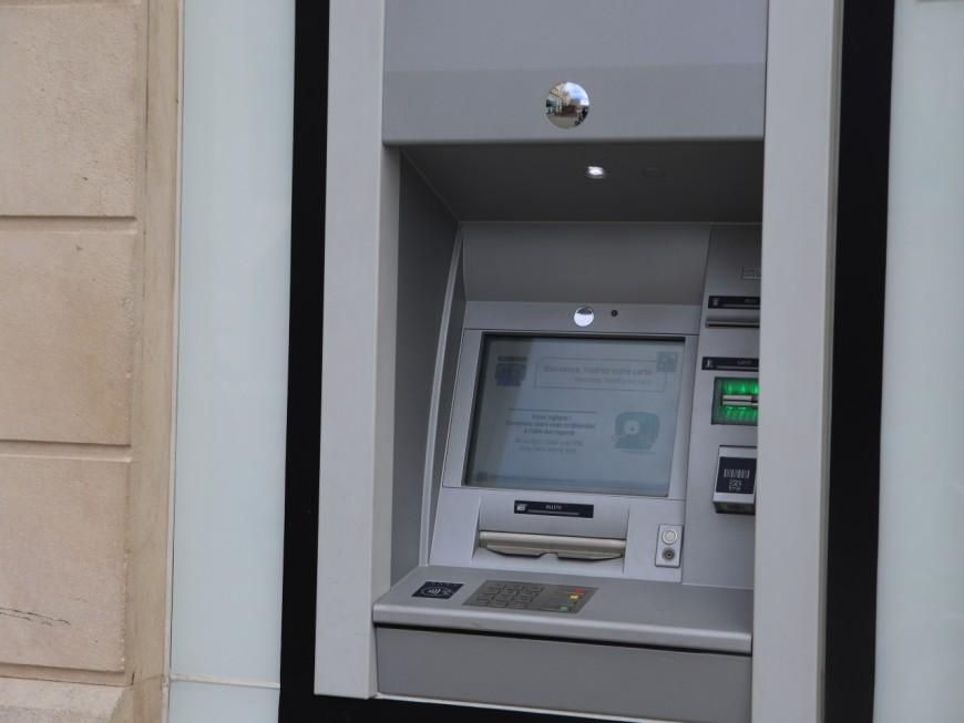 Près de Lyon : un distributeur de billets arraché par des malfaiteurs
