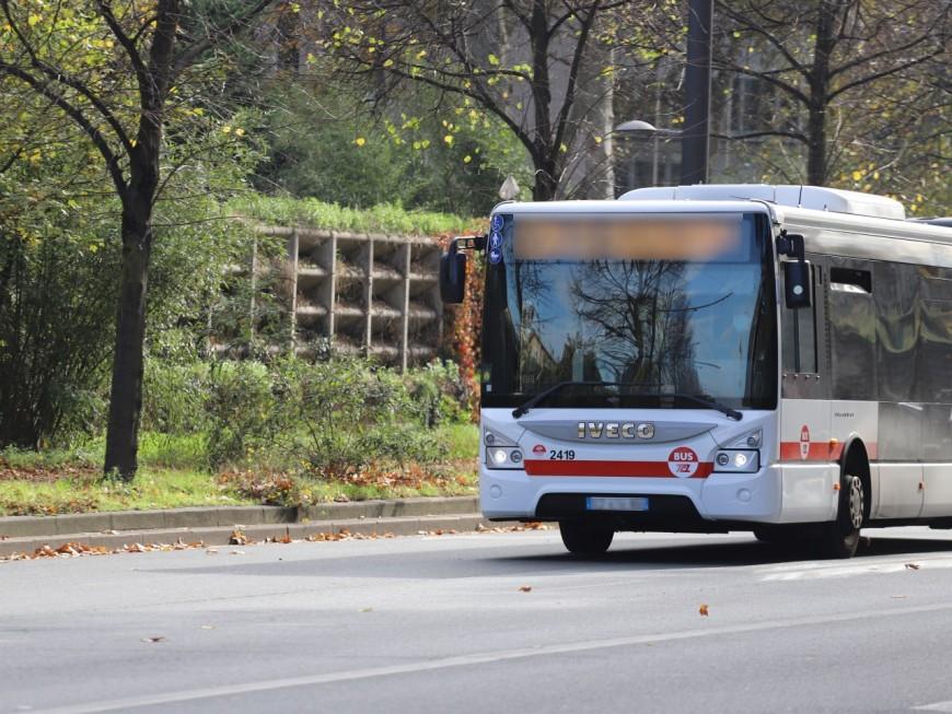 Près de Lyon: ils montent de force dans un bus, frappent le conducteur, et caillassent le véhicule