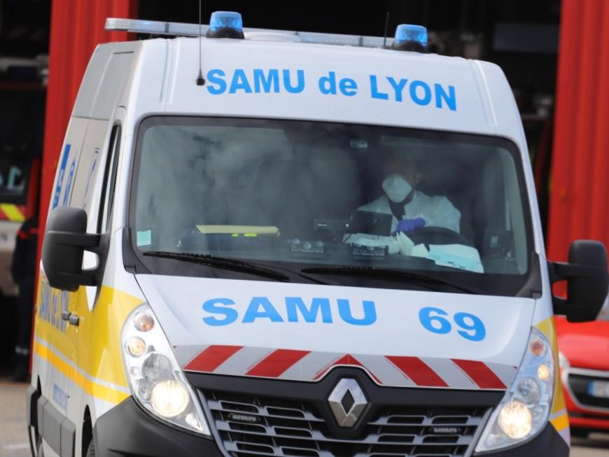 Près de Lyon : la dispute conjugale tourne mal, les secours frappés, la porte défoncée au bélier